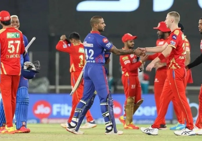 "IPL 2021: ""Players would have seen unused ambulances and wondered whether it was right for them to carry on playing"" – Nasser Hussain"