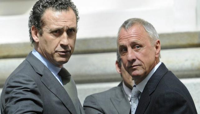 Valdano y Cryuff en un encuentro no hace mucho. (Foto: www.gettyimages.com)