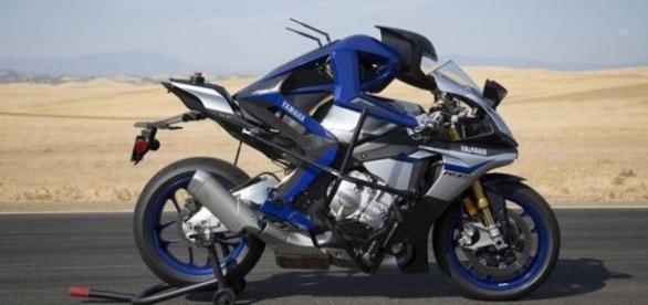 Yamaha MOTOROiD 03, l'intelligenza artificiale. E il pilota ... - moto.it