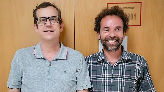 Jordi Salas-Salvadó y Christopher Papandreou, de la Unidad de Nutrición Humana del Departamento de Bioquímica y Biotecnología de la URV, y autores del estudio.