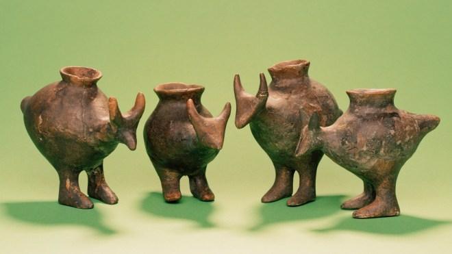 'Biberones' de la Edad de Bronze de tardía hallados en Vösendorf, Austria.