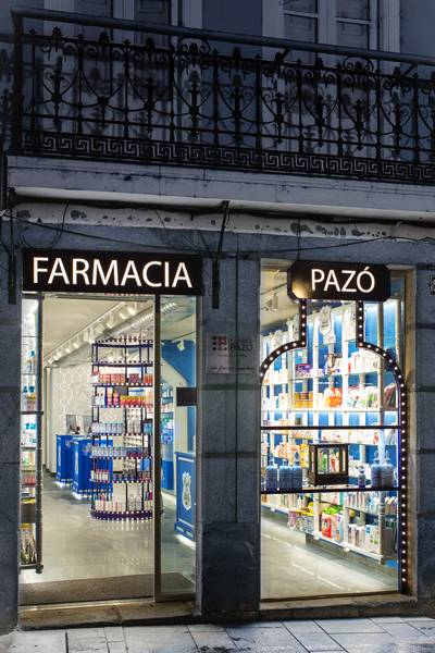 Fachada de Farmacia Pazó, en Monforte de Lemos.