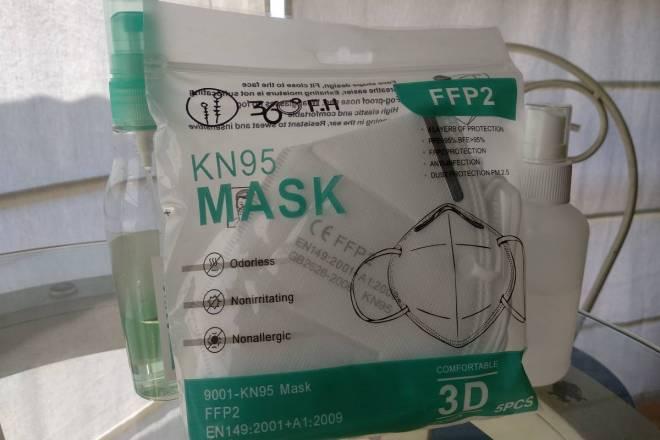 El mercado farmacéutica se reactiva gracias a la venta de geles, mascarillas y guantes.