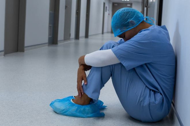 El objetivo de este servicio es minimizar el impacto de tensión emocional que la pandemia de Covid-19 haya podido provocar entre los profesionales.