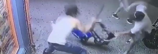 Ragazzo di 15 anni ucciso dopo il video hard. Massacrato a colpi di machete, ma era la persona sbagliata