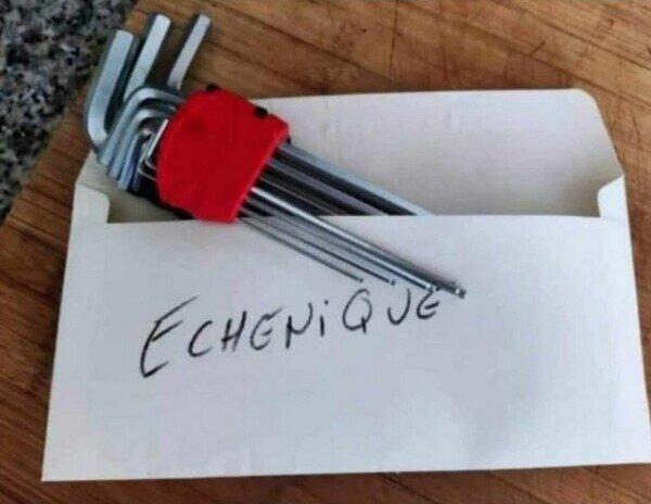 A Echenique también le han amenazado por carta