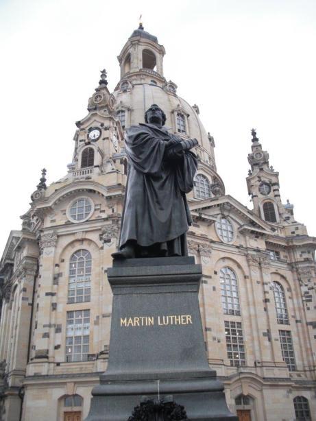 Martin-Luther-Denkmal vor der Dresdner Frauenkirche, August 2013