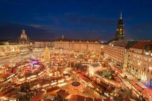 Striezelmarkt von oben, Dresden