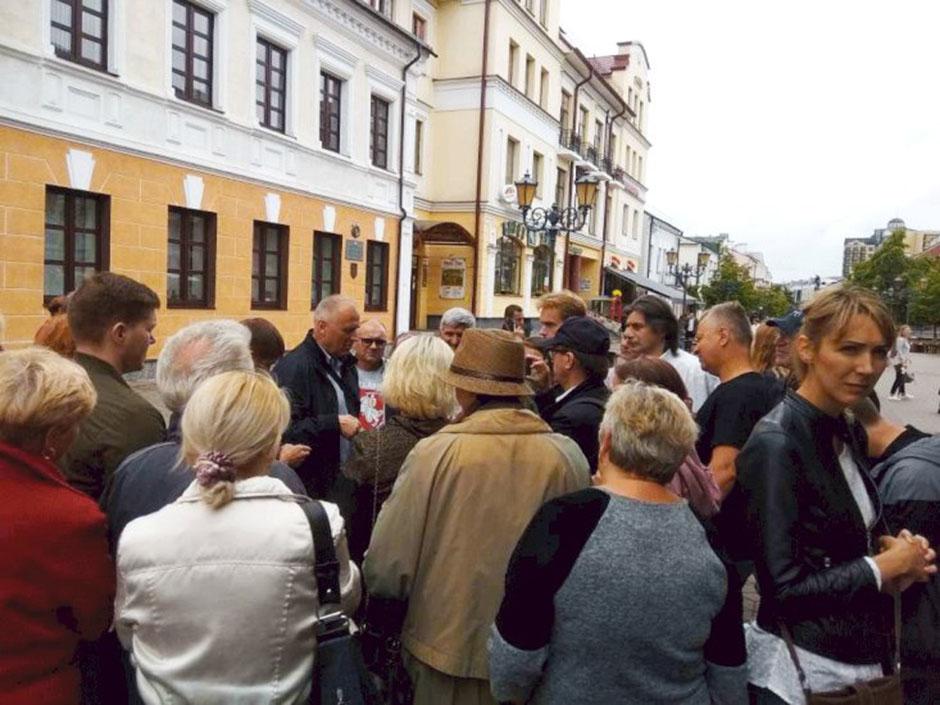 Сотні берасцейцаў разам з Мікалаем Статкевічам выйшлі на пратэст