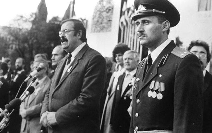 Выступае Міхась Ткачоў, старшыня Беларускай сацыял-дэмакратычнай Грамады