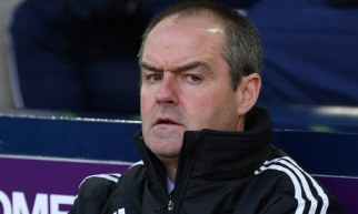 West Brom's Steve Clarke said after losing to Norwich his players must be resilient to end a bad run