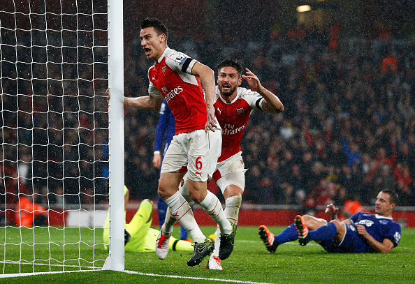 LONDON, ENGLAND - OCTOBER 24: Laurent Koscielny of Arsenal celebrates scoring his team's second goal with during the Barclays Premier League match between Arsenal and Everton at Emirates Stadium on October 24, 2015 in London, England. (Photo by Dean Mouhtaropoulos/Getty Images)