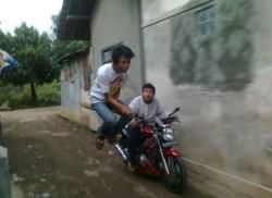 Gambar lucu balap motor