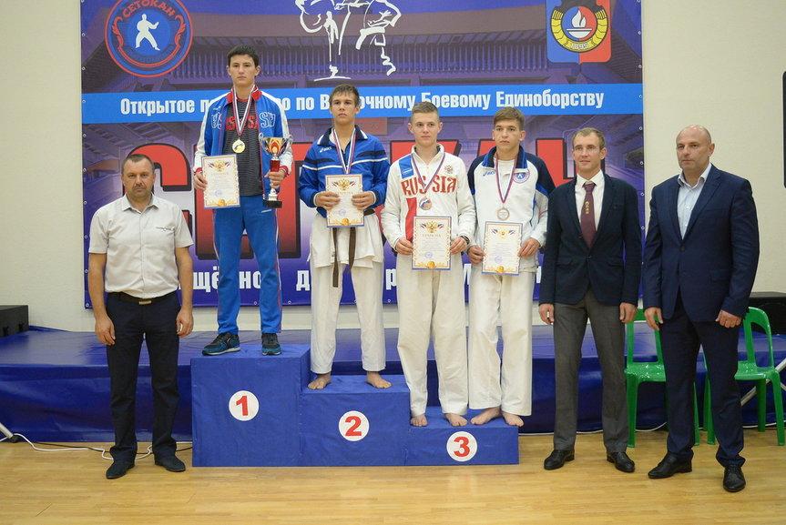 На первой ступени пьедестала Данила Мащенко, на второй - Владислав Чернов, третью занял Андрей Сибирцов