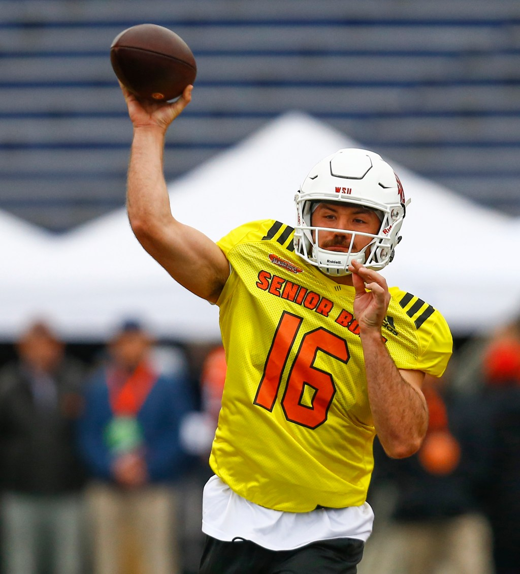 South quarterback Gardner Minshew II of Washington State (16) throws a pass  during practice for Saturday s Senior Bowl college football game 273b19871