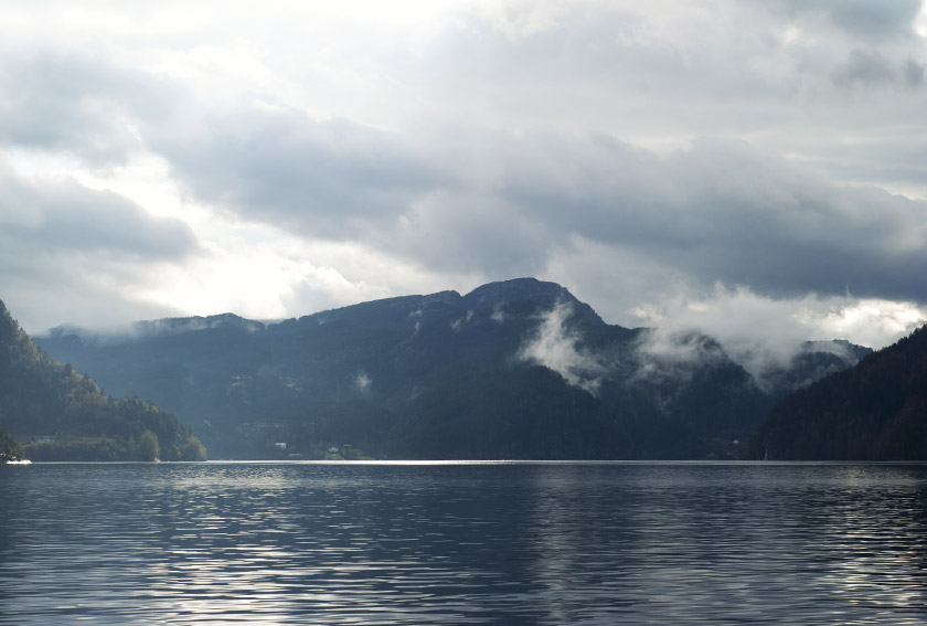 Mountains in Monstraumen fjord