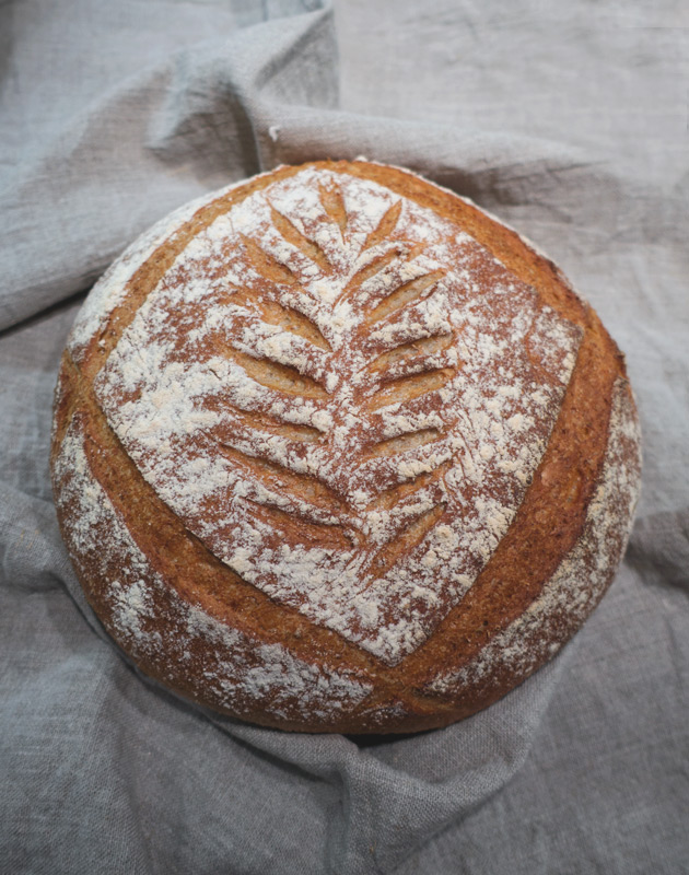 Bread with leaf pattern
