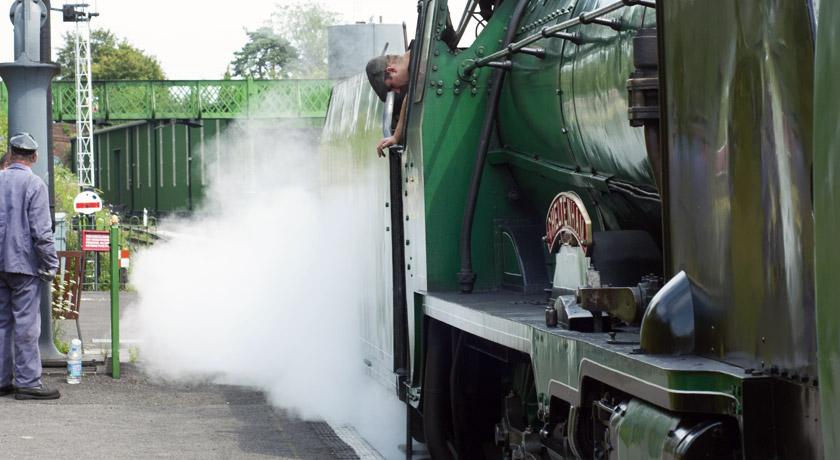 Steam train at Ropley statiom