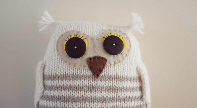 Knitted owl with felt face