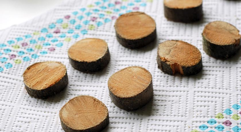 Wet wood discs