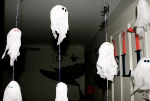 Little ghosts on strings
