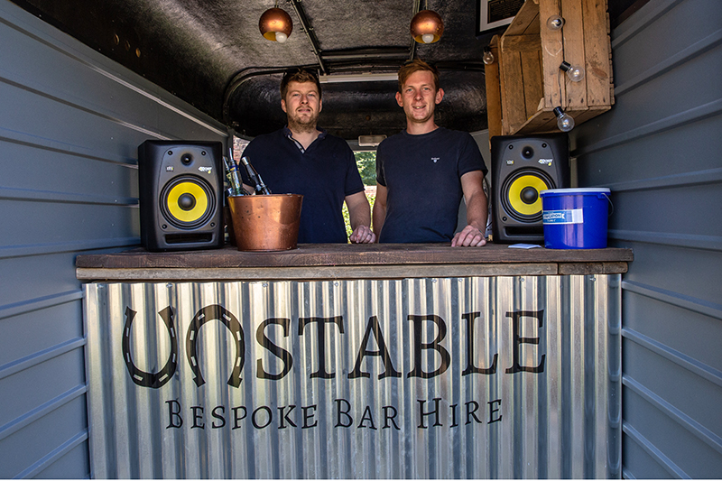 Unstable Bar back for their second year offering some plink plink fizz to the proceedings!