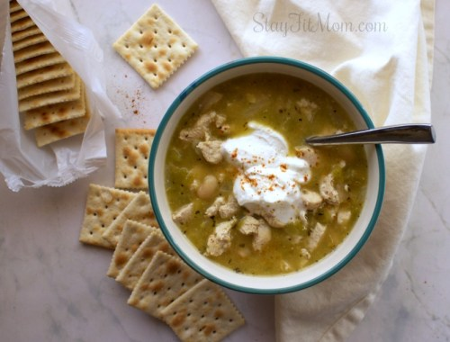 High protein, macro friendly, delicious white chili recipe! #stayfitmom #fallrecipe #easyrecipe #highprotein