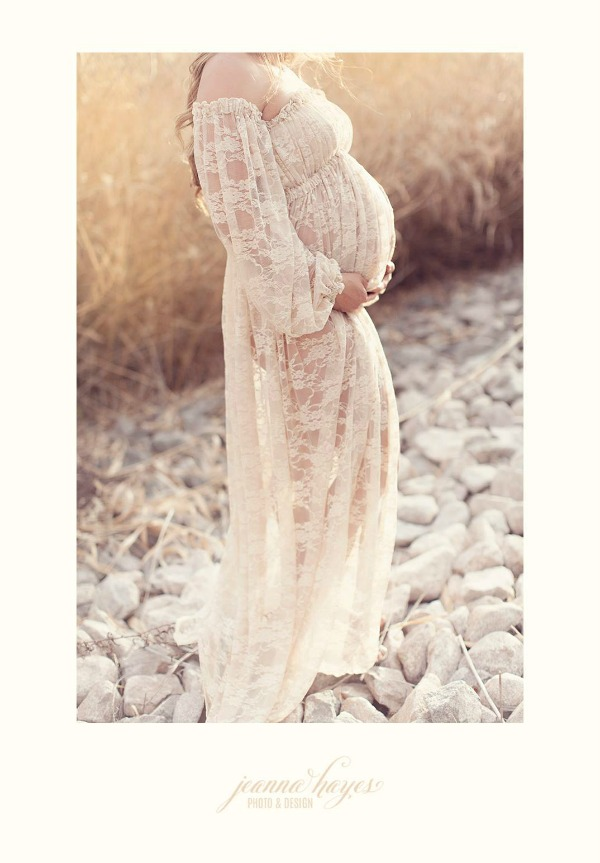 Maternity photo shoot by Jeanna Hayes at Jeannahayes.com.