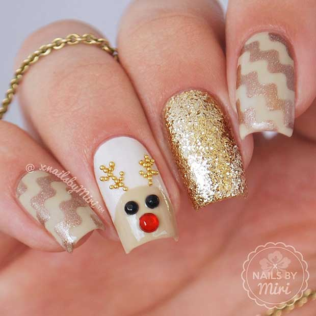 Cute Reindeer Christmas Nails