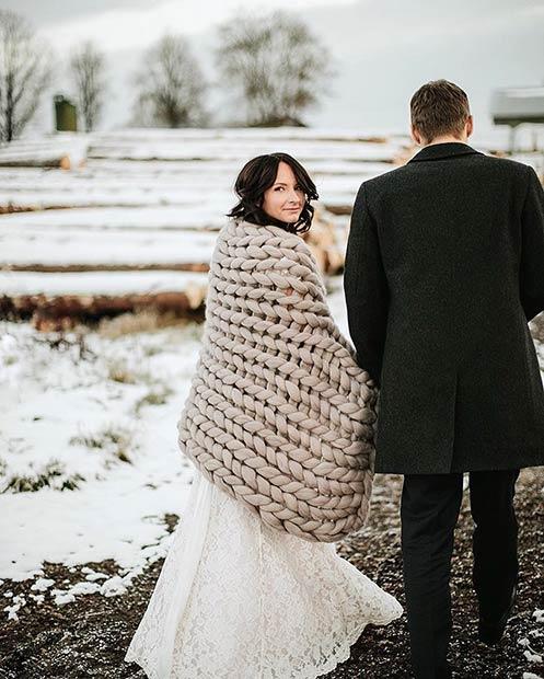 Chunky Wool Blanket Winter Wedding Photography
