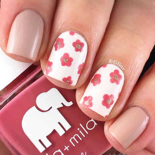 White Nails with Pink Flowers and Gold Glitter for Spring 2017