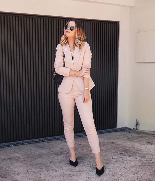 Stylish Neutral Summer Work Outfit