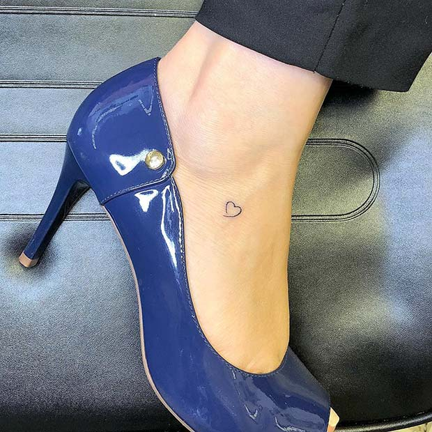 25 Awesome Foot Tattoos For Women Crazyforus