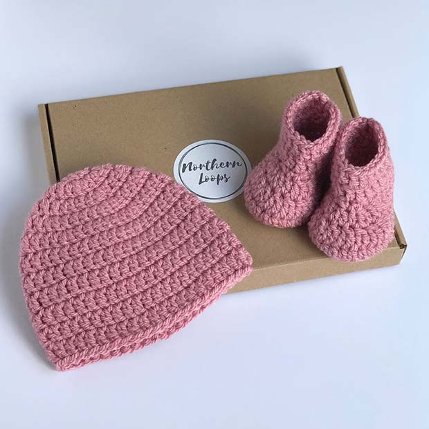 Crochet Booties and Hat