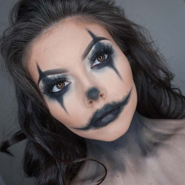 Easy Clown Makeup for Halloween