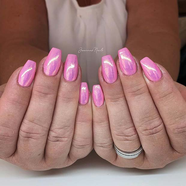 Short, Coffin Shaped Nails