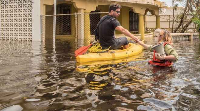 this-photo-of-mayorcarmen-yulin-cruz-wading-through-waters-in-san-juan-following-hurricane-maria-ha