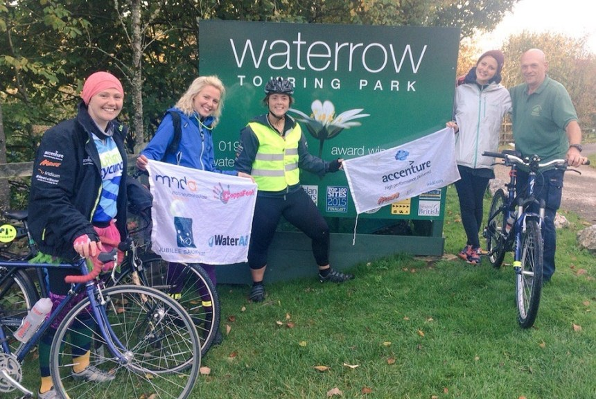 Mission almost accomplished, Sarah Outen (centre) prepares for her final push from Waterrow. She was joined at the park by Kris Hallenga (left) whose charity is benefitting from Sarah's expedition.