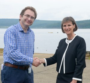 Rufus Bellamy thanks CEO Heidi Mottram for the park's green initiatives