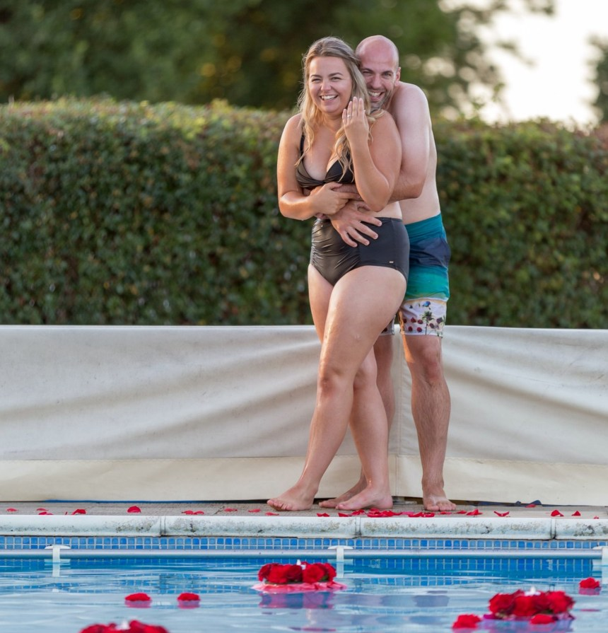 "By the holiday park's pool where they once romanced as 12-year-olds, Rachel said ""I will"" to Jonathan"