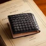 ココマイスターのボッテガ風二つ折り財布(マットーネオリヴェートパース)