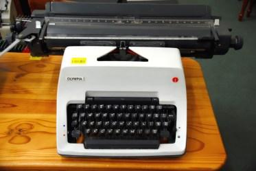 harlow_typewriter