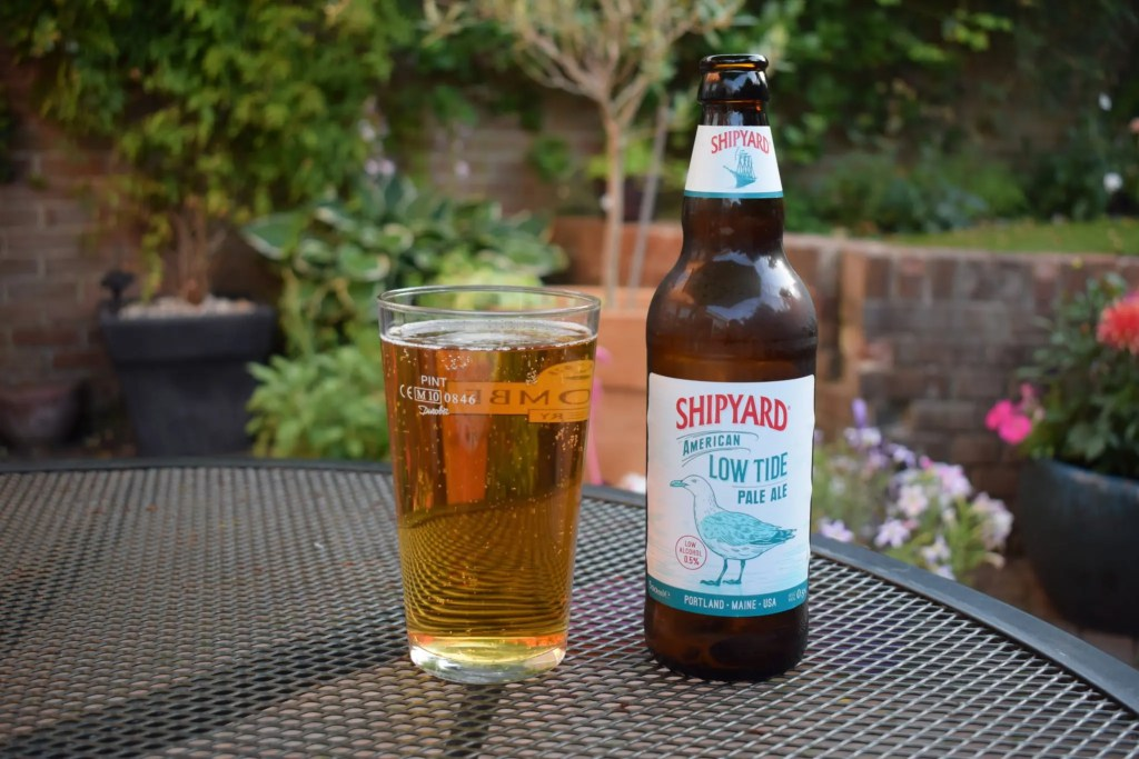 Bottle of Shipyard Low Tide American pale ale with glass