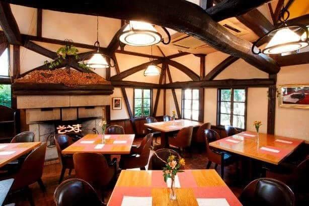 葉山のステーキレストラン そうまの店内