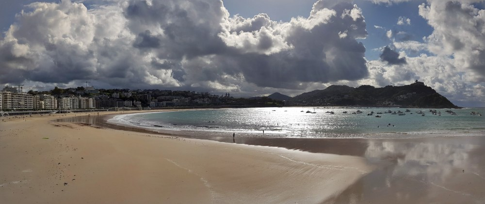 A picture of the beach at San Sebastian