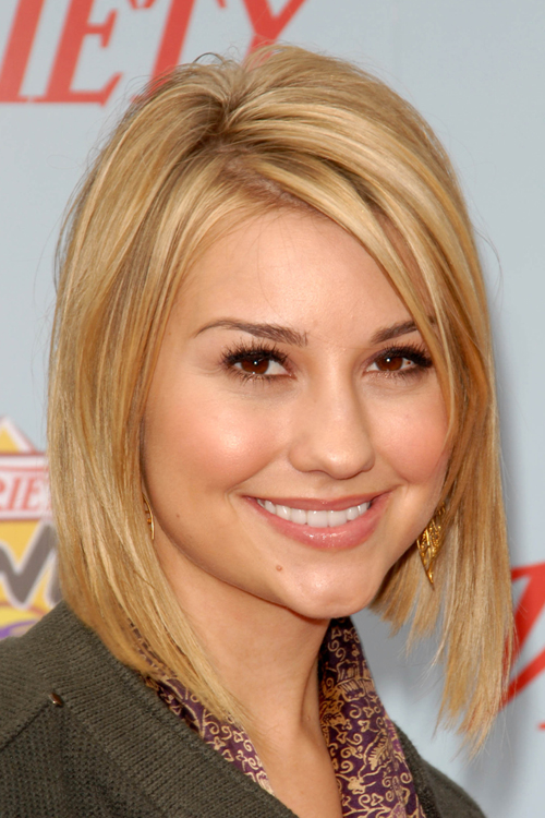 Chelsea Kanes Hairstyles Amp Hair Colors Steal Her Style