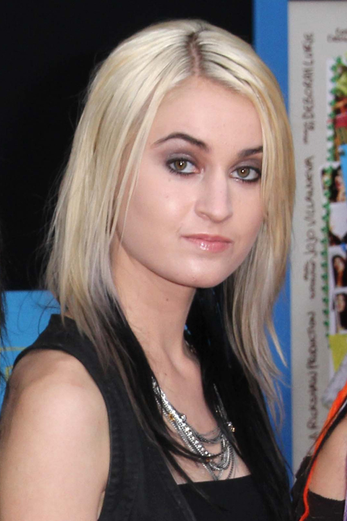 Miranda Millers Hairstyles Amp Hair Colors Steal Her Style