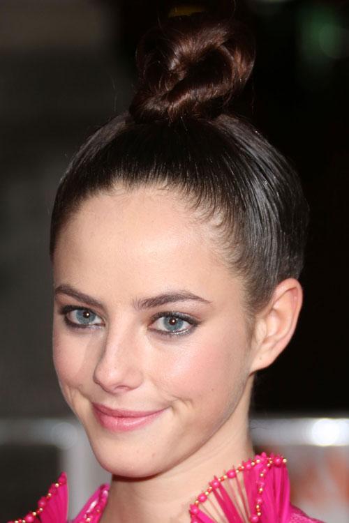 Kaya Scodelarios Hairstyles Amp Hair Colors Steal Her Style