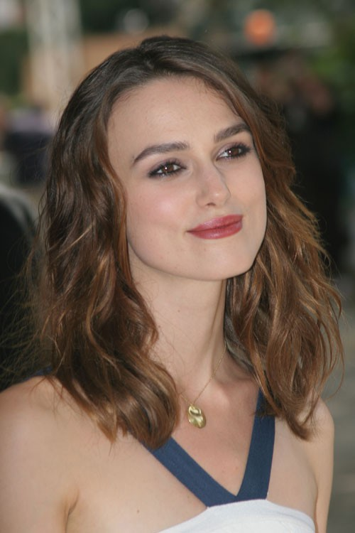 Keira Knightleys Hairstyles Amp Hair Colors Steal Her Style