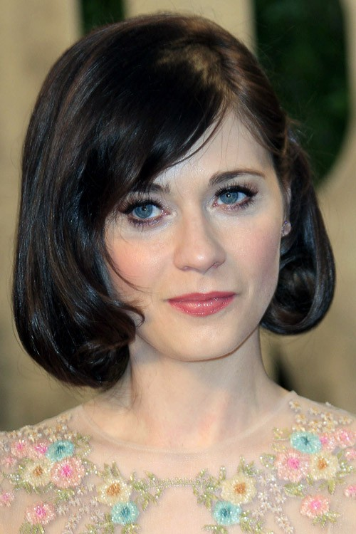 Zooey Deschanels Hairstyles Amp Hair Colors Steal Her Style